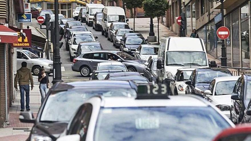 Piden poder acceder en coche a Independencia por el Viaducto Marquina cuando abran los colegios