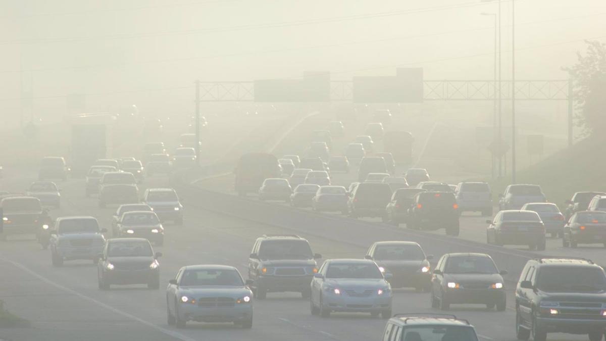 La gasolina con plomo causa enfermedades cardíacas, accidentes cerebrovasculares y cáncer.
