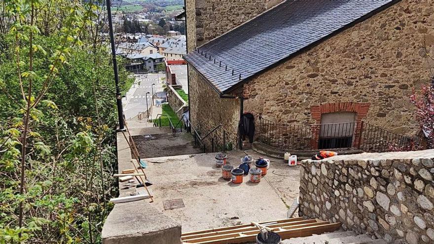 Puigcerdà remodela les escales de l'Incasol perquè eren perilloses