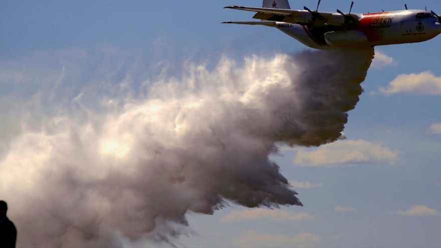 Tres muertos en un accidente de avión cisterna en los incendios de Australia