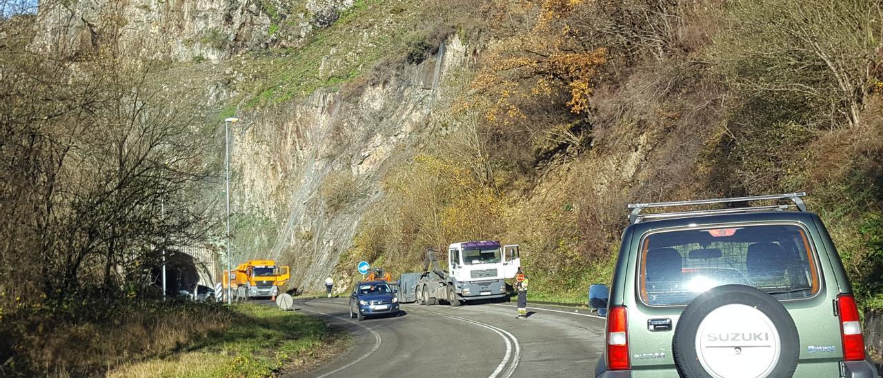 Las obras en el túnel de Comillera, en Sobrescobio.
