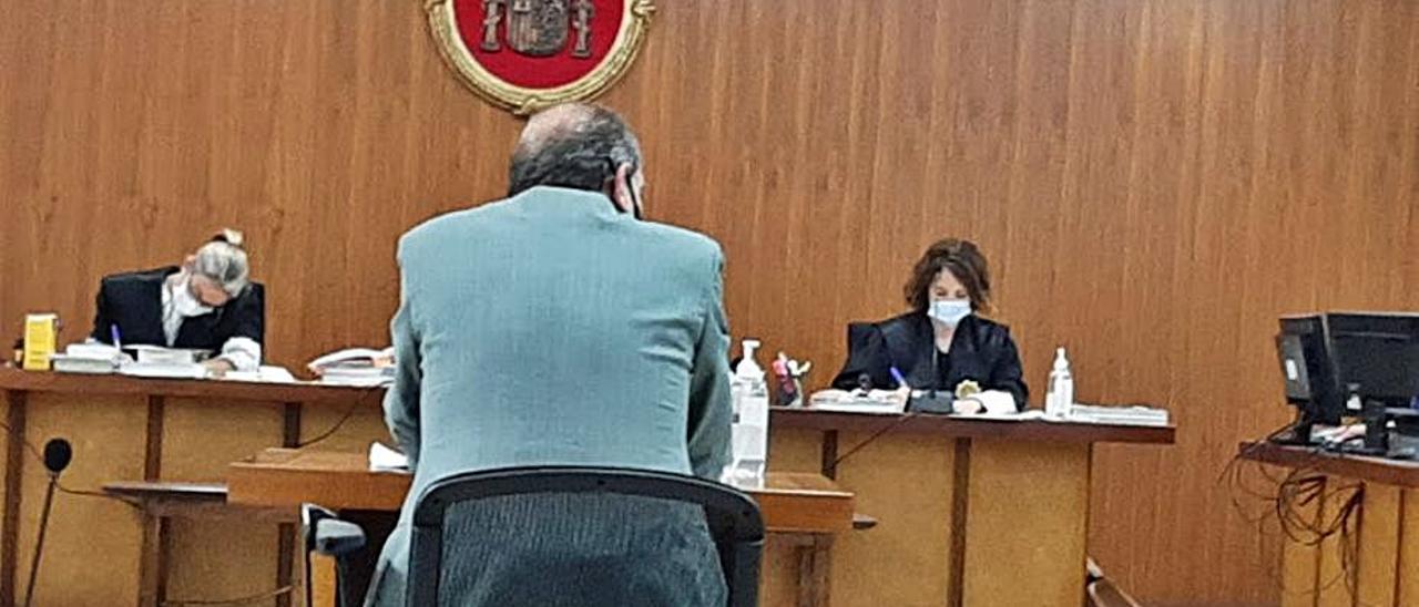 Juzgan por apropiación indebida  al expresidente del C.D. San Francisco | L.MARINA