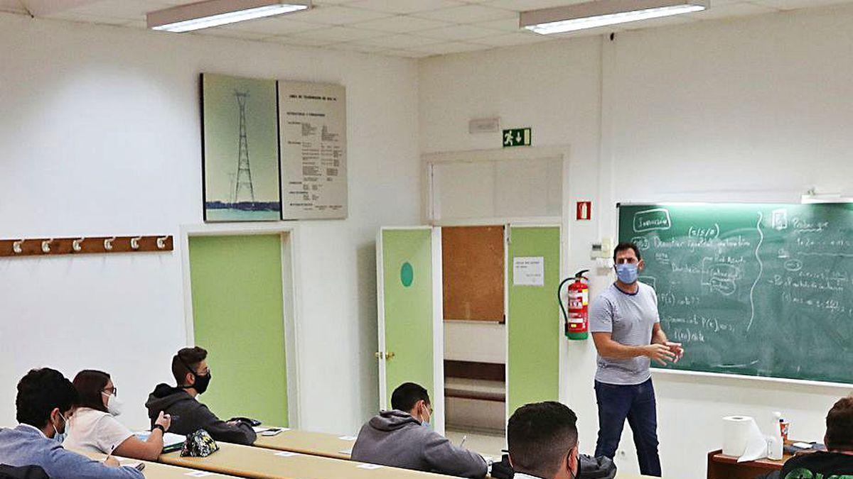 Una clase en una facultad de Vigo.