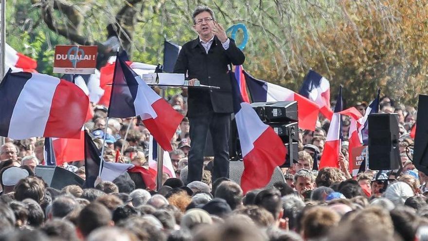Los seguidores de Mélenchon rechazan votar a Macron