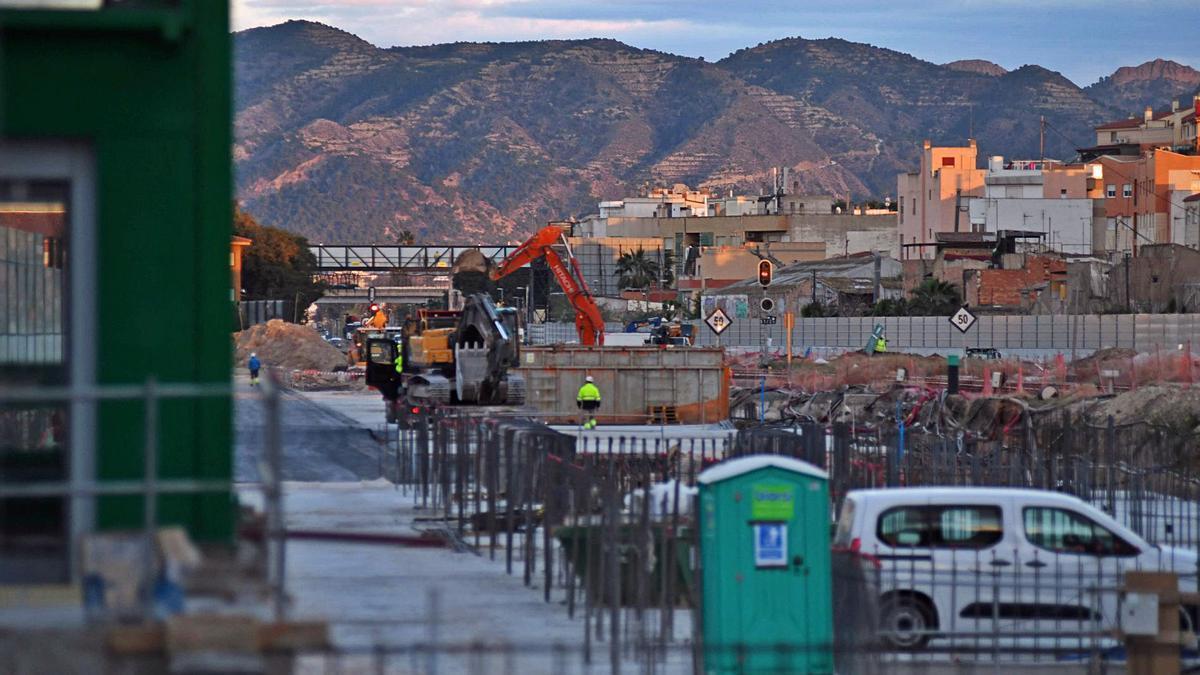 Las obras en las inmediaciones de la estación del Carmen continúan avanzando en las últimas semanas.