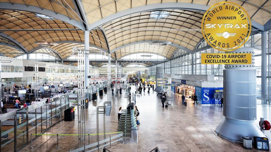 El aeropuerto de Alicante-Elche suma otro galardón y se coloca entre los 14 más seguros de Europa frente al covid