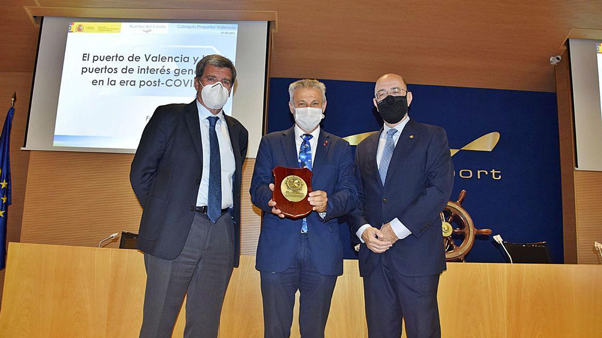 Aurelio Martínez, Francisco Toledo y Pedro Coca, ayer, en la jornada de Propeller. | LEVANTE-EMV