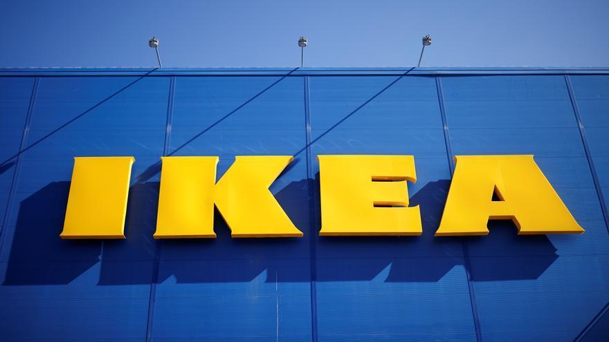 """Así es la taza de Ikea que han agotado los """"influencers"""": lleva soporte y pajita reutilizable"""