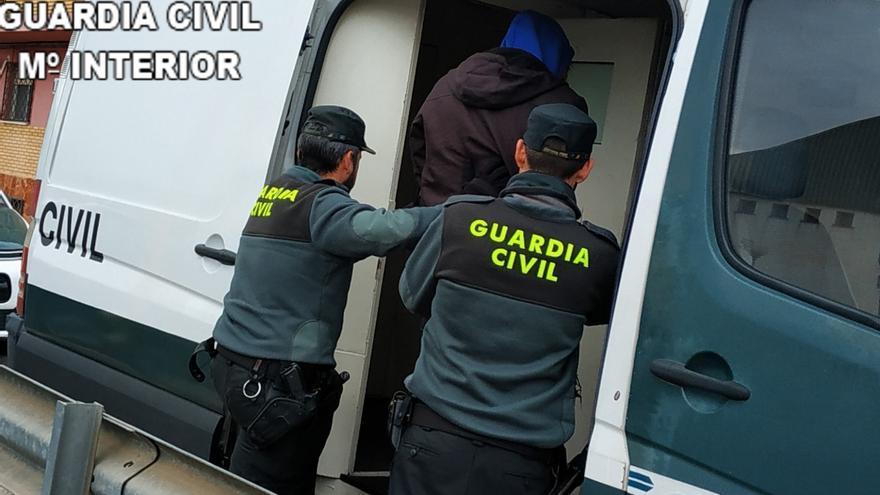 Cuatro detenidos al desmantelar dos puntos de venta de drogas en Sueca y Fortaleny