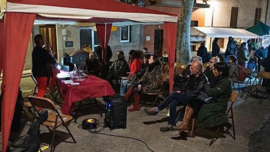 Cantallops celebra el mercat d'artesans fronterers
