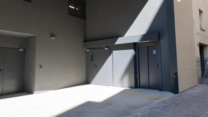 El PSC denuncia que l'ascensor del Remei de Baix fa cinc mesos que està avariat
