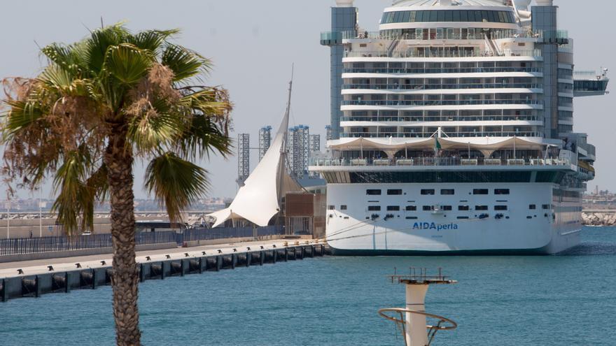 La UMH de Elche participa en la IV Jornada Alicante Costablanca por el Turismo de Cruceros
