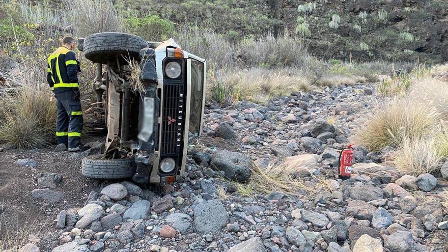 Un coche se precipita en el barranco de Veneguera