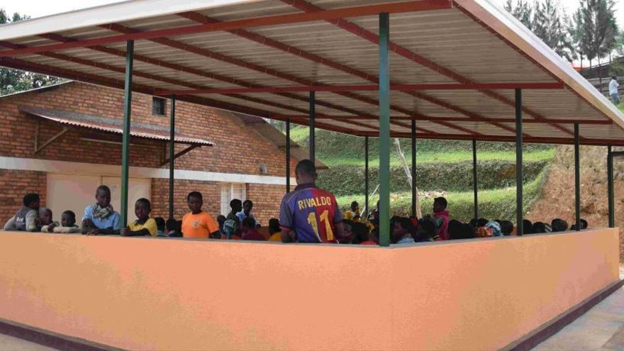 La UMH habilita una sala para familiares de pacientes en un hospital de Ruanda