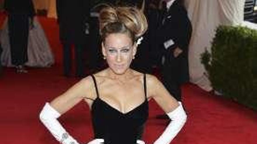 Una joyería reclama a Sarah Jessica Parker unas piezas valoradas en 128.000 euros que no devolvió