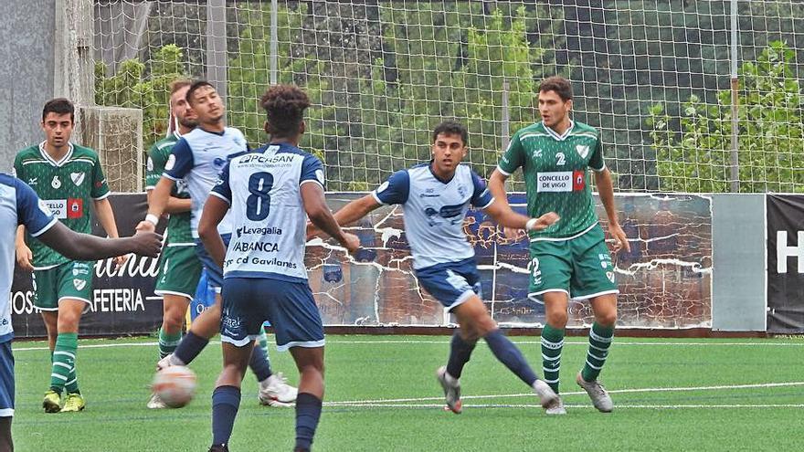 El Ourense CF aprueba el test ante el Coruxo con un empate peleado