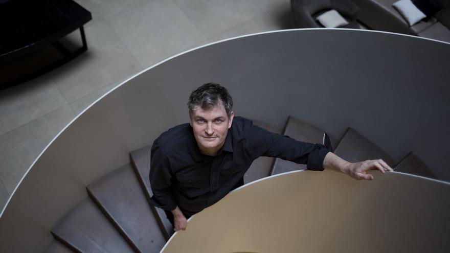 El escritor mexicano Enrique Díaz Álvarez gana el Anagrama de Ensayo con 'La palabra que aparece'