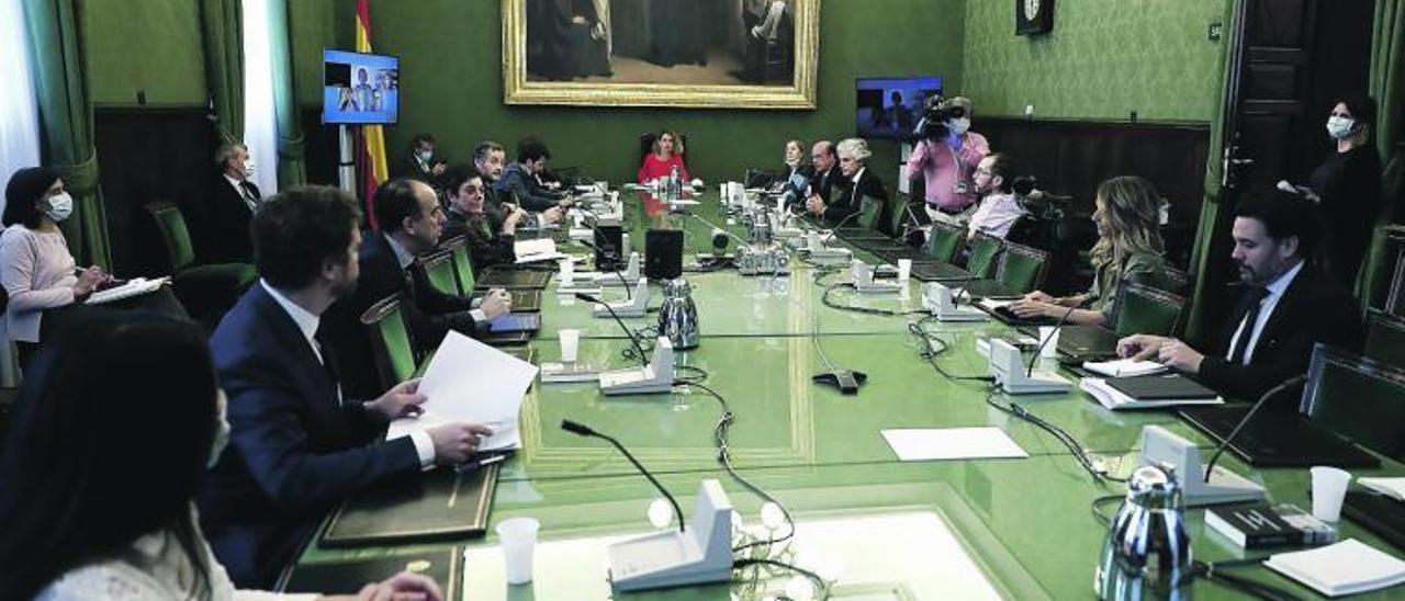 Meritxell Bate preside ayer la mesa de la Junta de Portavoces del Congreso.