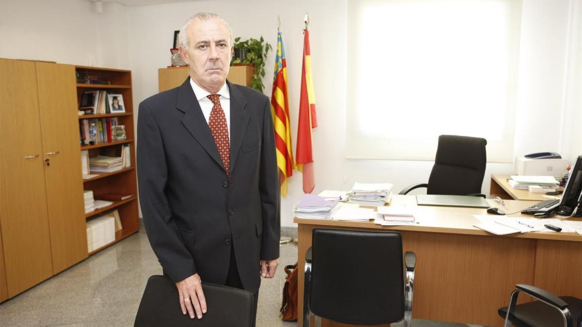 Sanitat abre una investigación tras la vacunación irregular del ya exfiscal jefe de Castellón