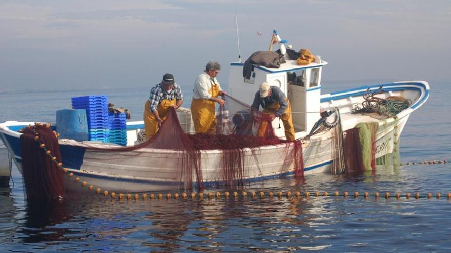 """El acuerdo pesquero de la UE """"aboca a la desaparición"""" al sector en la Región"""