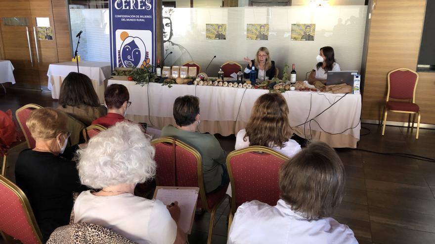 La eurodiputada María Eugenia Rodríguez explica las políticas agrarias europeas en Toro