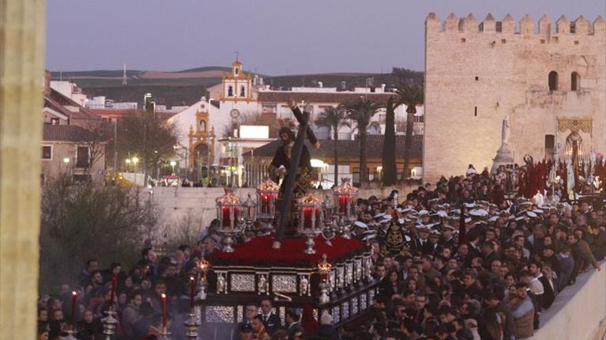 Evitar las aglomeraciones en el Puente Romano, entre los objetivos