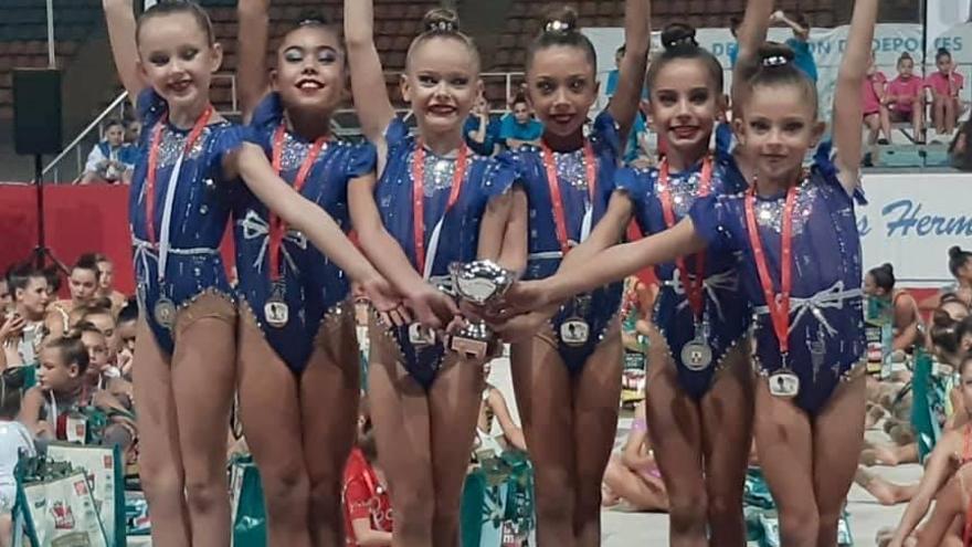 El Liceo y el Séneca suman medallas en trofeos