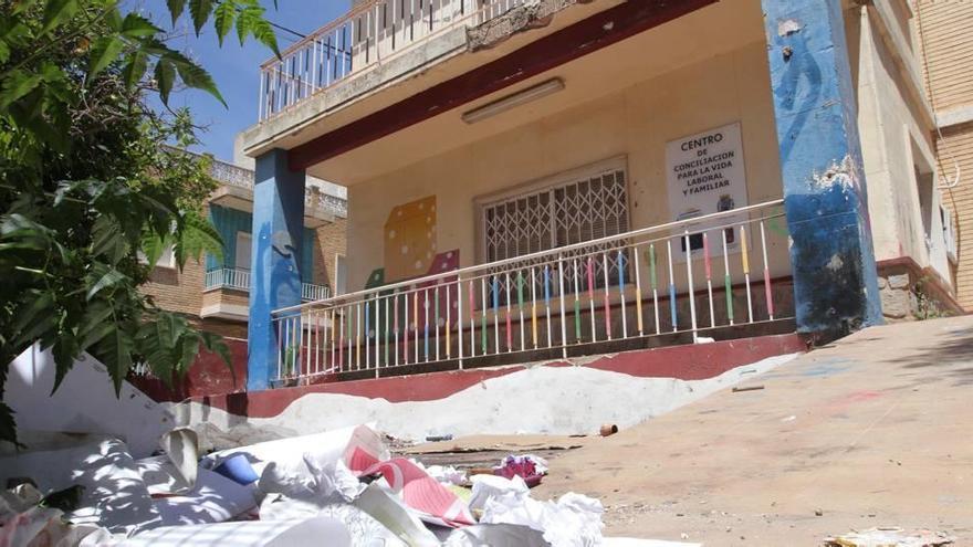 Una casa abandonada en José María de Lapuerta pone en pie de guerra al barrio