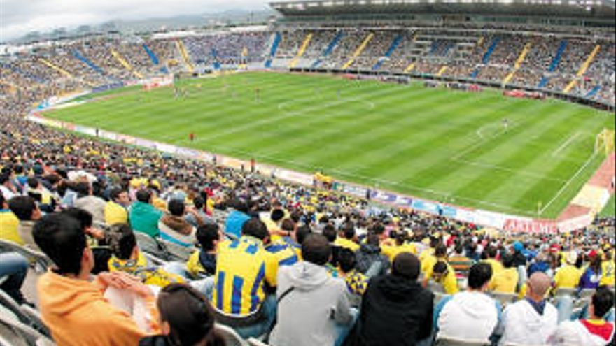 Ashotel propone a la RFEF y a LaLiga terminar la temporada en Canarias