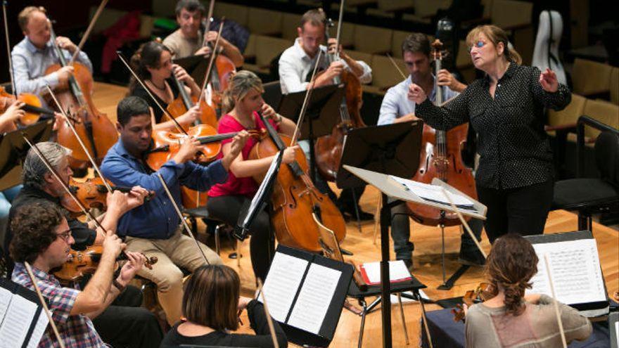 La Orquesta Sinfónica Del Atlántico ofrece un concierto en el Auditorio por La Palma