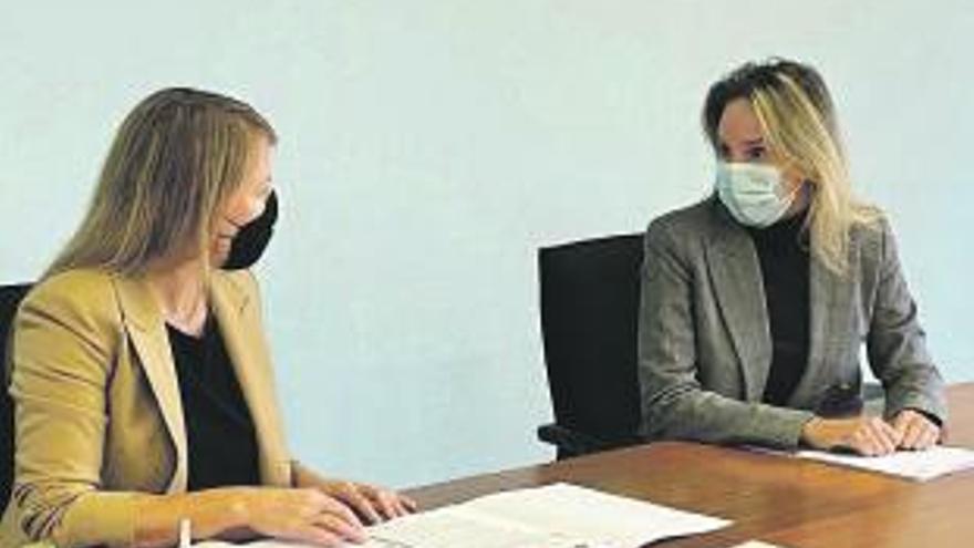 La delegada de la Xunta en Vigo se reúne con la alcaldesa de Salceda