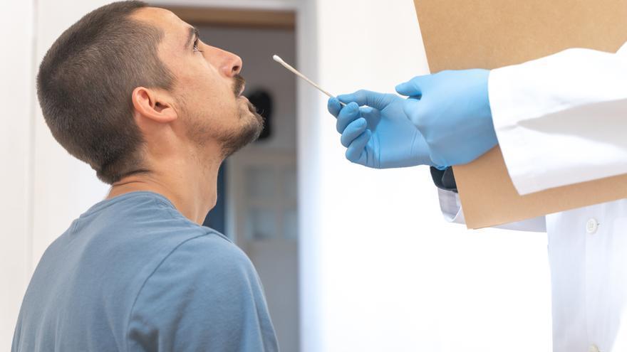 Roche lanza un nuevo test de diagnóstico especializado en nuevas variantes de COVID-19
