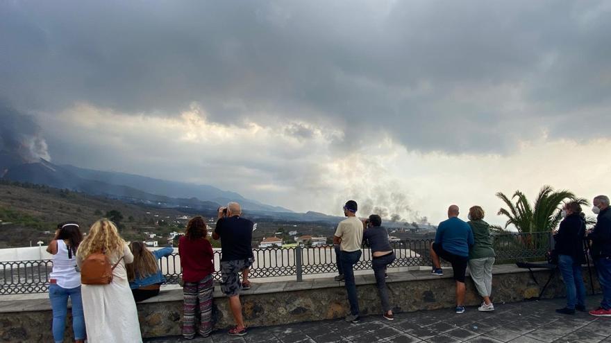La Guardia Civil reforzará el control de visitantes que acudan a ver el volcán de La Palma el fin de semana