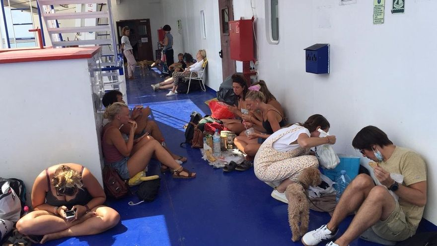 Un positivo en covid en la tripulación cancela la conexión en ferri entre Ibiza y València