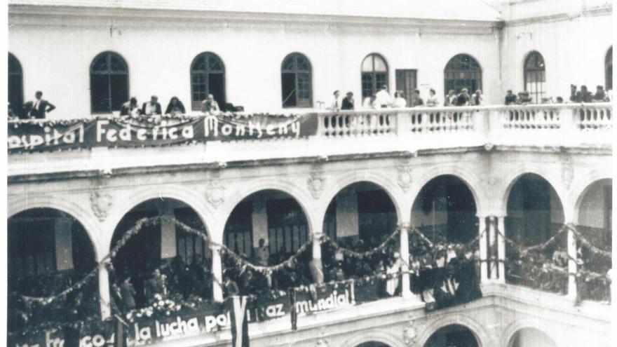 1937: Se inaugura el hospital de guerra Federica Montseny en el claustro de Derecho