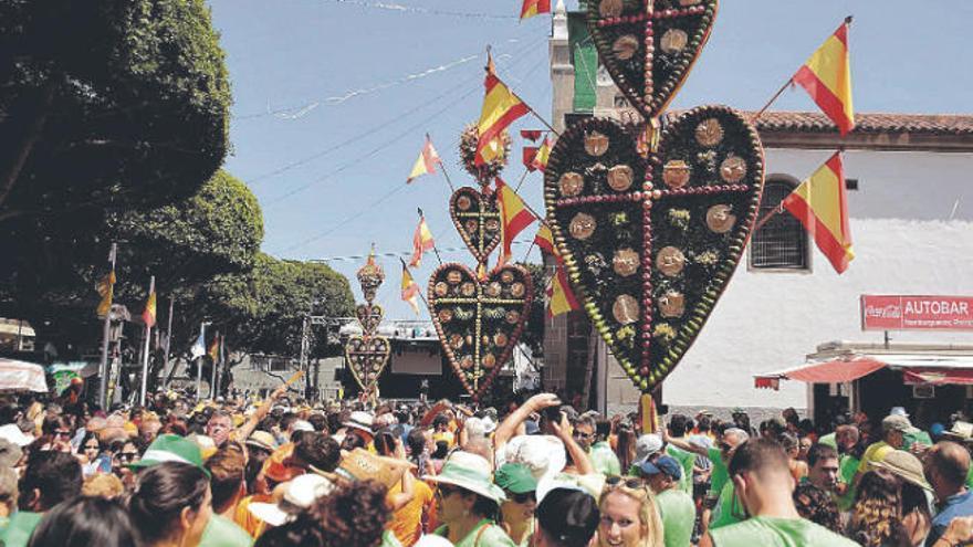 Tejina celebrará este domingo la ofrenda de los corazones dentro de la iglesia