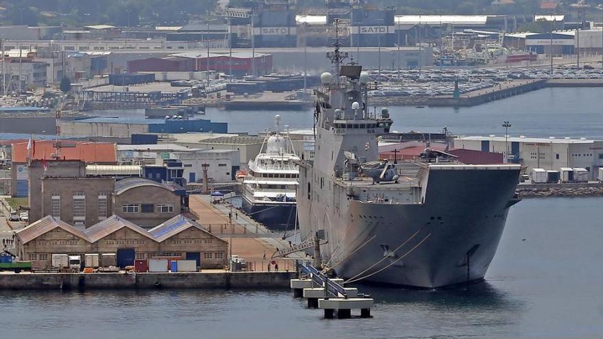 Descubre por dentro el portaaviones 'Juan Carlos I', atracado en Vigo