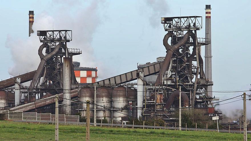 Las dos vías para descarbonizar la siderurgia asturiana obligan a redefinirla, avisa Arcelor