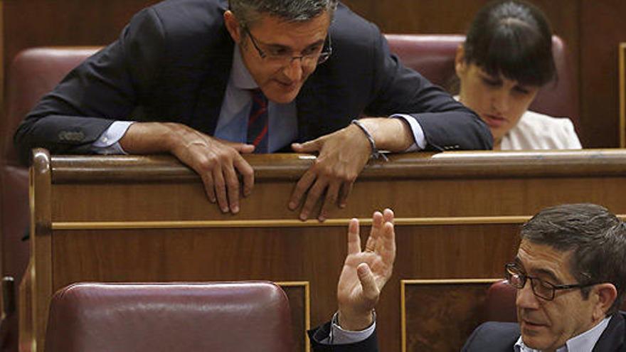El PSOE rectifica y Sánchez estará delante de Madina