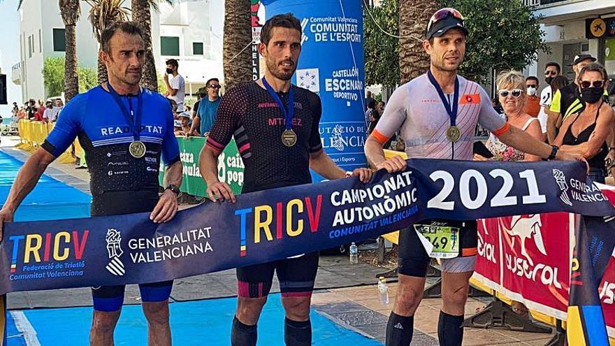 Los triatletas Martínez, Ribes, Andújar y Luque triunfan en Oliva