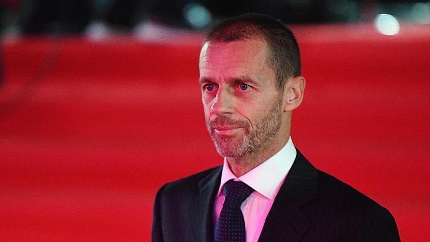 La UEFA admite que hay riesgo de no acabar la temporada