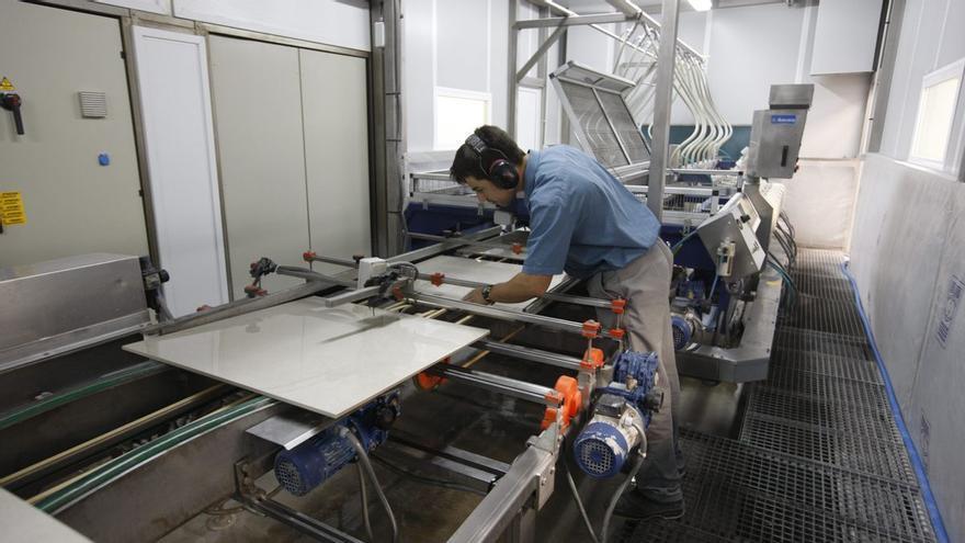 Ascer pide reducir la factura energética, que resta competitividad al azulejo