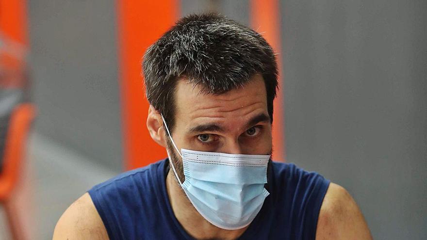 """Fernando San Emeterio: """"Hay que estar tranquilos, que no cunda el pánico"""""""
