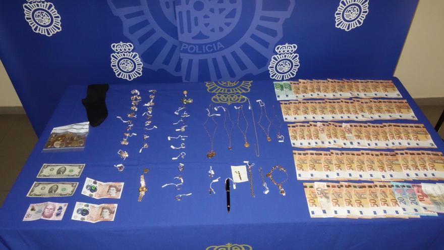 La Policía Nacional desarticula una organización itinerante especializada en el robo de viviendas que operaba en Gijón y Oviedo