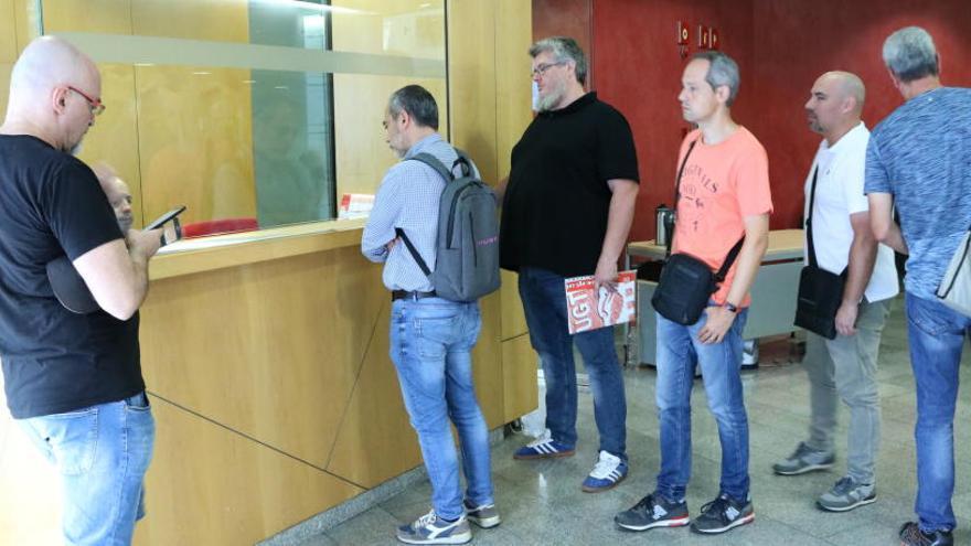 Nova mediació a Treball entre Iberia i el personal de terra del Prat per desbloquejar la vaga