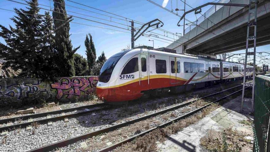 Una avería en el suministro eléctrico paraliza durante unos 40 minutos el tren entre Palma e Inca
