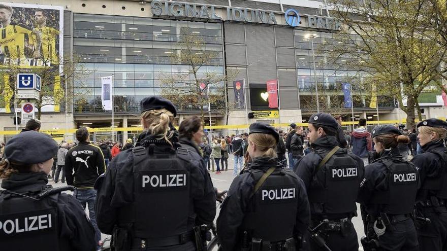 La policía cree que las bombas de Dortmund se activaron por control remoto