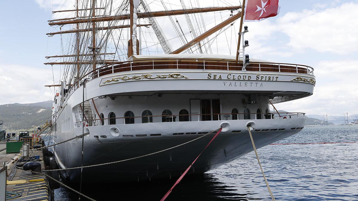"""El """"Sea Clod Spirit"""", amarrado en el muelle de armamento de MetalShips en Ríos (Teis)..jpg"""