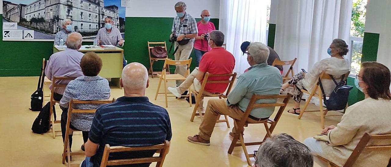 Presentación de la asociación para la memoria histórica de Camposancos.