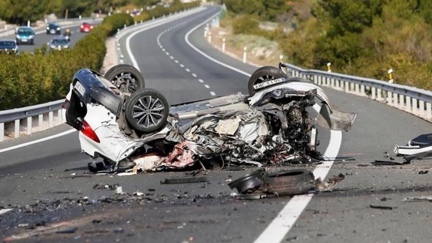 Un kamikaze en sentit contrari per l'A7 provoca dos morts